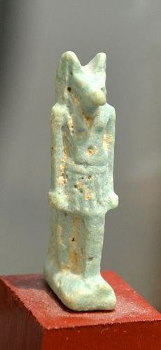 AN ANCIENT EGYPTIAN ANUBIS AMULET