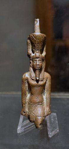 AN ANCIENT EGYPTIAN BRONZE NEFERTUM