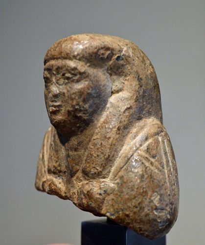 AN ANCIENT EGYPTIAN SERPENTINE SHABTI