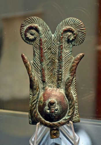 AN ANCIENT EGYPTIAN BRONZE CROWN