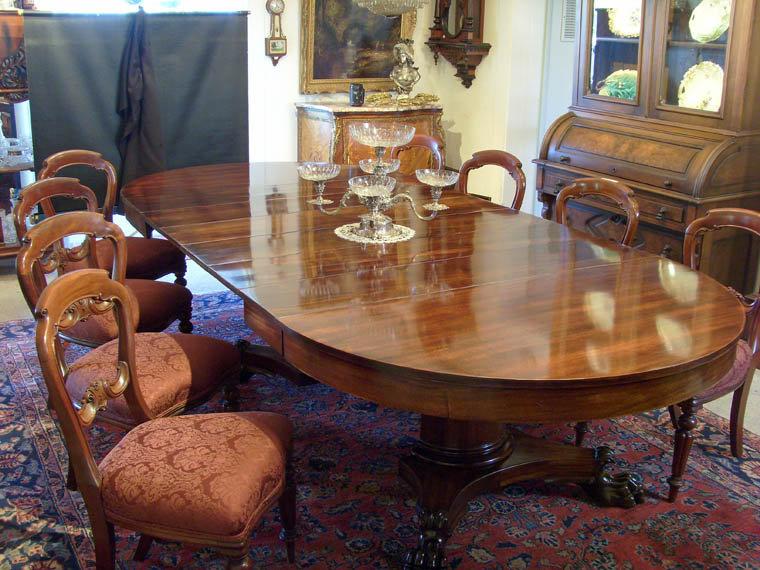 Boston Split Pedestal Mahogany Dining Table circa 1900