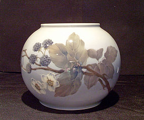 Copenhagen  Vase Blackberries