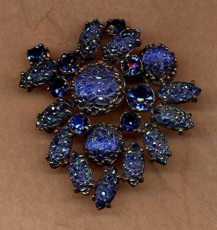 SCHIAPARELLI BLUE BROOCH