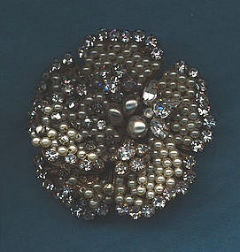 FLOWERHEAD BROOCH BY ROBERT