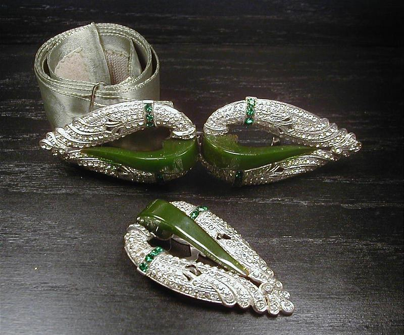 BAKELITE AND RHINESTONE SET