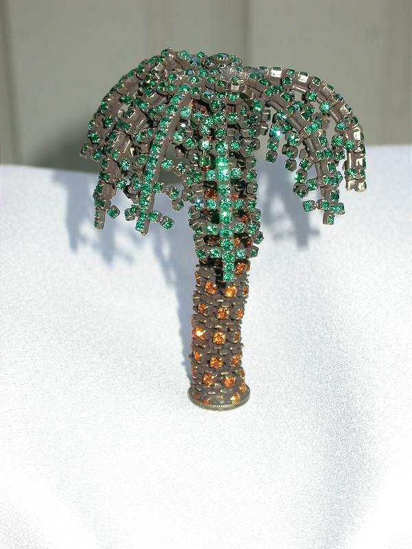 DOROTHY BAUER PALM TREE BROOCH