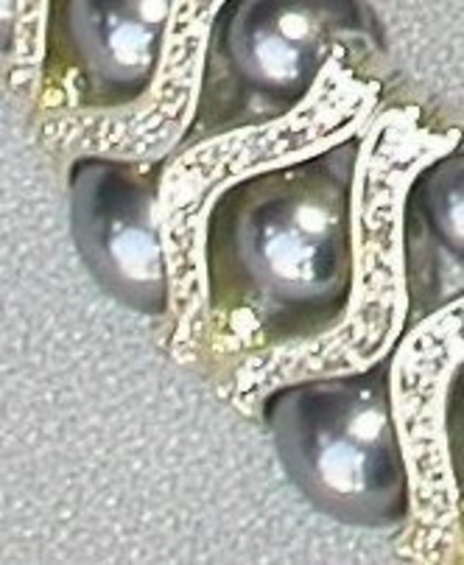 GRAY PEARL AND RHINESTONE SET