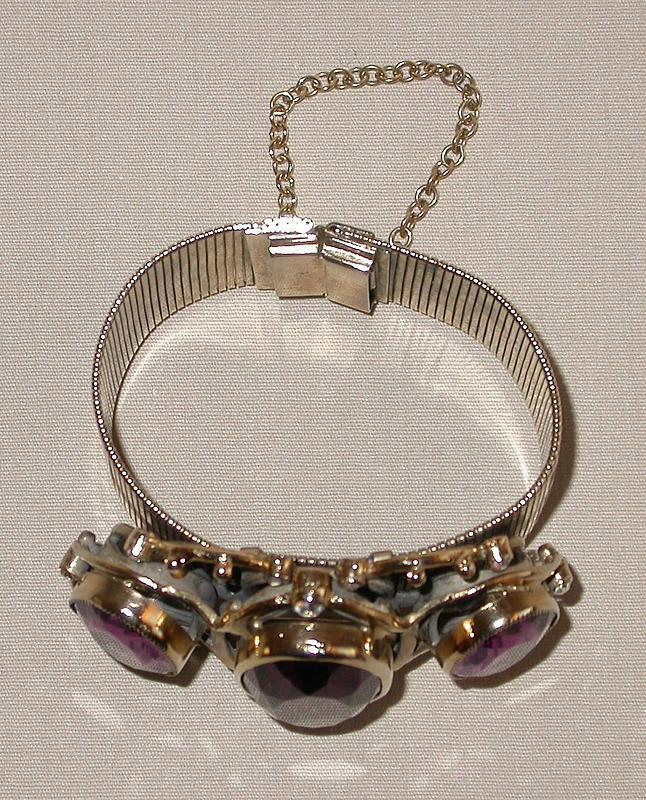 ORNATE BRACELET FROM 1940'S