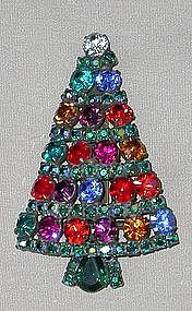 DOROTHY BAUER SPARKLING CHRISTMAS TREE PIN