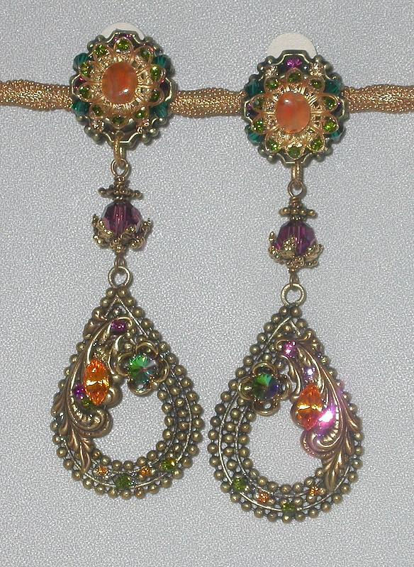 MAYA DANGLE EARRINGS WITH AMETHYST AND CARNELIAN