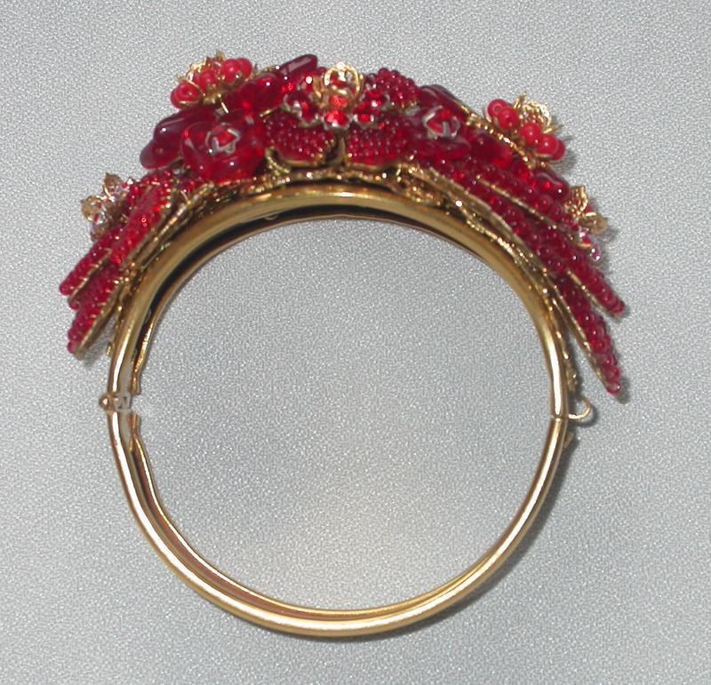 HAGLER/ST. GIELAR RED FLORAL BRACELET