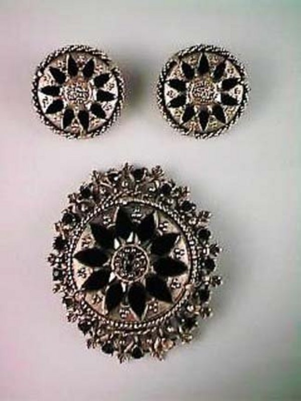Florenza Brooch and Earrings