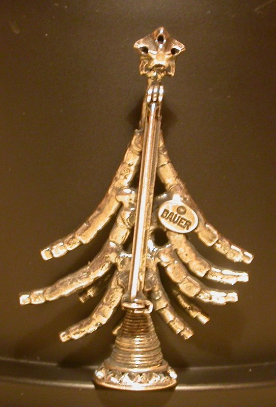 DOROTHY BAUER SNOW TREE PIN