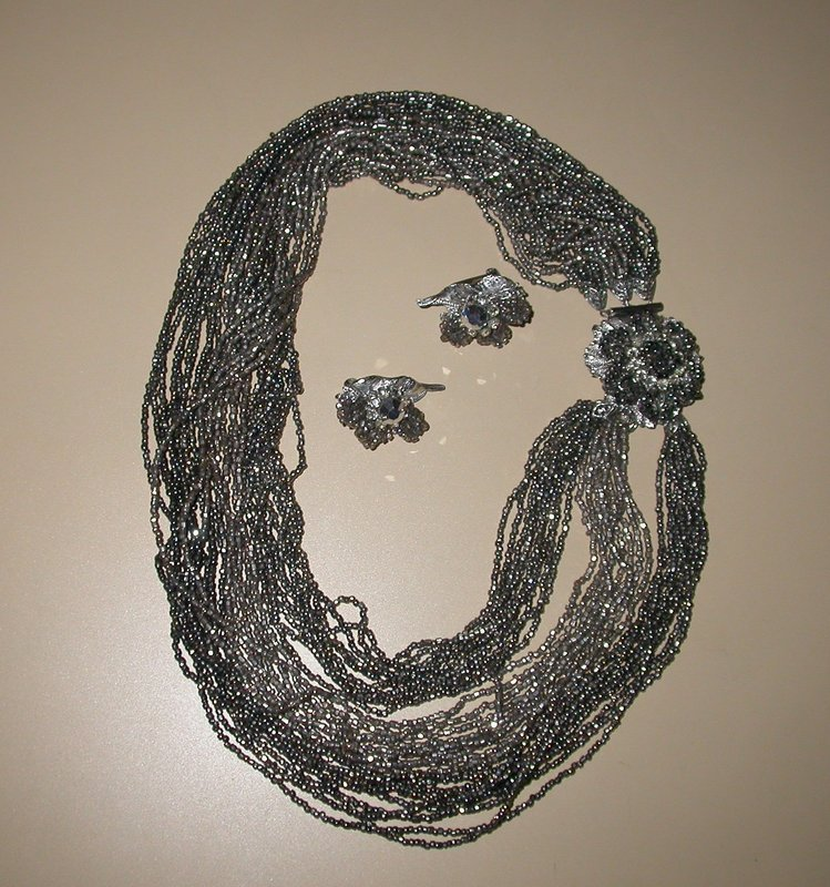 ROBERT BRONZE BEADED NECKLACE AND EARRINGS