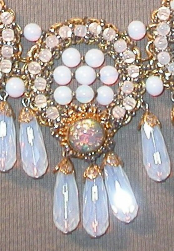 deLILLO OPALESCENT NECKLACE AND EARRINGS
