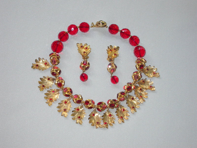 deLILLO GOLD AND RED LEAF NECKLACE AND EARRINGS