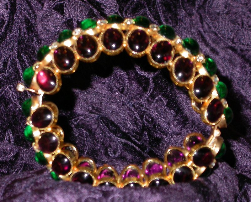 AMETHYST AND EMERALD GLASS BRACELET BY deLILLO