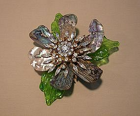 LAWRENCE VRBA FLOWER HEAD BROOCH