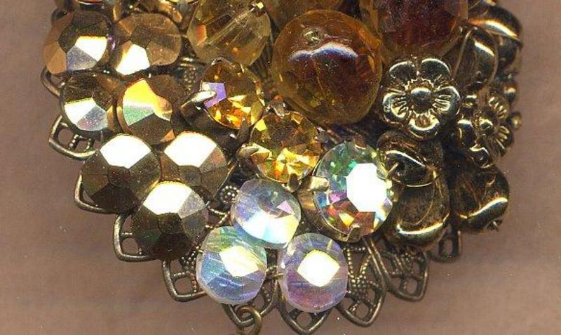HATTIE CARNEGIE BROOCH AND EARRINGS