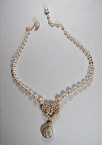 MIRIAM HASKELL PEARL AND PENDANT NECKLACE
