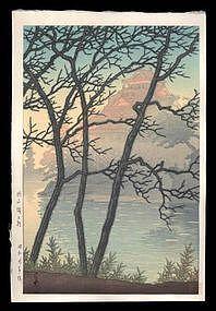Hasui Woodblock - Morning at Okayama Castle