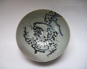 An Early Qing B/W Bowl With Dragon