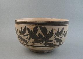 A Yuan-Ming Dynasty Black & White Large Cizhou Bowl