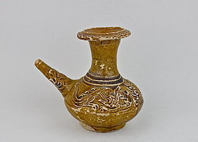 A BROWN GLAZE KENDI WITH A PAIR DRAGON CHASING PEARL