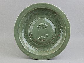 A YUAN/MING DYNASTY LONGQUAN WARE CELADON DISH WITH TWIN FISH