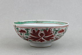 EARLY QING DYNASTY 18th CENTURY POLYCHROME BOWL