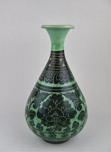Important N.Song Pale Green Cizhou Sgraffiato Peony Vase