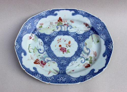 A FAMILLE ROSE + B/W PLATE (QING DYNASTY 18TH CENTURY)
