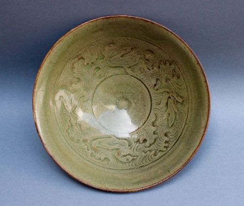 A CELADON BOWL WITH CARVED INCISED OF MANDARIN DUCK
