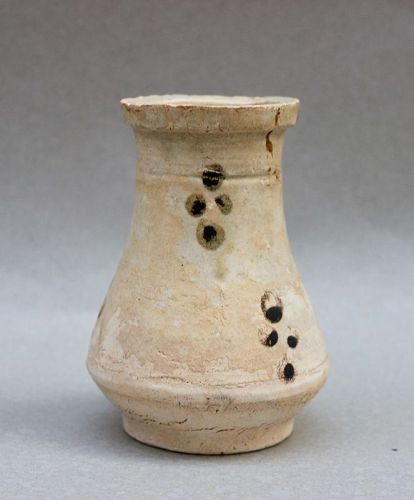 A YUAN DYNASTY FUJIAN WARE VASE WITH IRON BROWN SPOTS