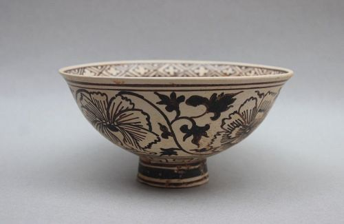 YUAN DYNASTY JIZHOU WARE BOWL WITH FLOWER AND BAMBOO