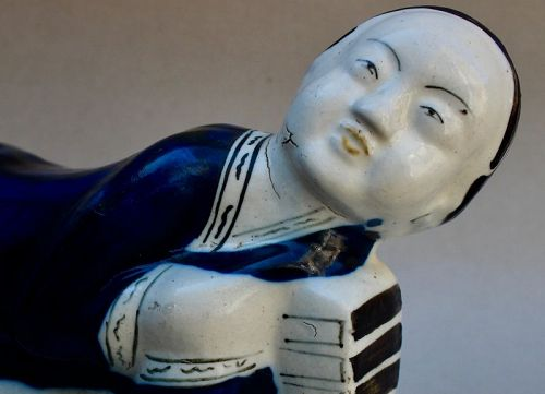 POLYCHROME PILLOW OF LADY FIGURE (MING DYNASTY CIZHOU WARE)