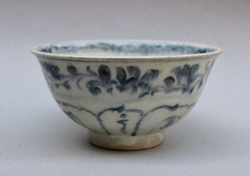 ANNAMESE BLUE AND WHITE BOWL