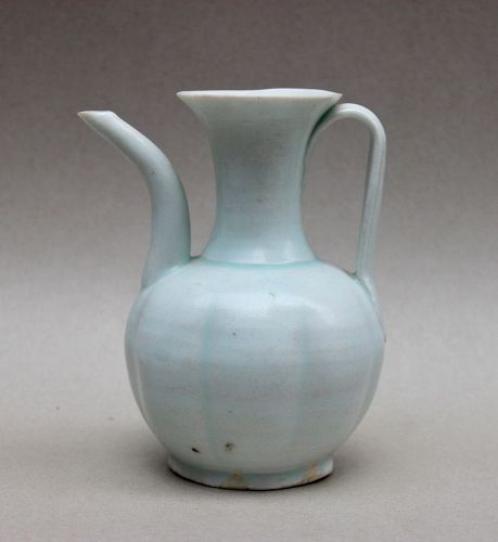 A RARE QINGBAI PEAR SHAPE EWER (SOUTHERN SONG OR LATER)