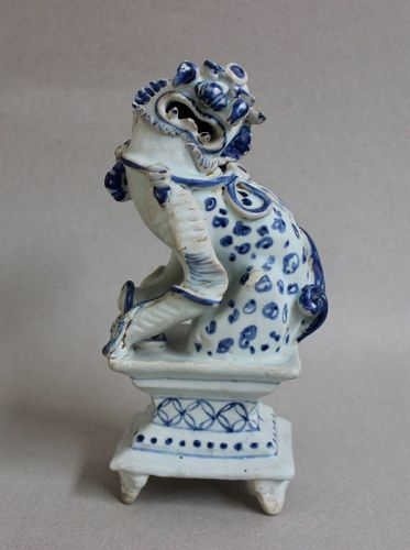 CHINESE CERAMIC STATUE OF LION FIGURE YUAN DYNASTY 14TH CENTURY