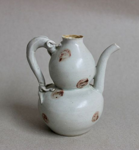 A GOOD EXAMPLE OF DOUBLE GOURD EWER WITH IRON BROWN SPOTS