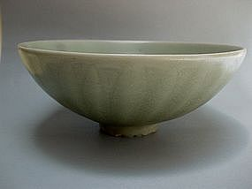 A Yuan Dynasty Lungquan Celadon Bowl