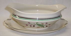 Syracuse China CORALBEL GRAVY or SAUCE BOAT with ATTACHED PLATE