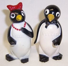 F & F Plastic 3 1/4 In WILLIE and MILLIE PENGUIN SALT and PEPPER, Pair