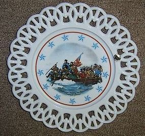 Westmoreland Milk Glass WASHINGTON CROSSING The DELAWARE PLATE