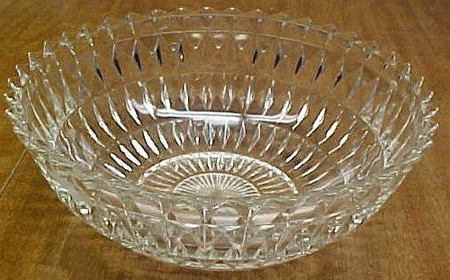 Jeannette Crystal WINDSOR DIAMOND 8 1/2 Inch POINTED EDGE BOWL