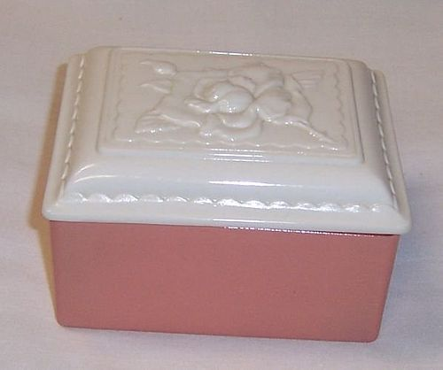 Anchor Hocking Peach and Ivory ROSE Covered DRESSER BOX
