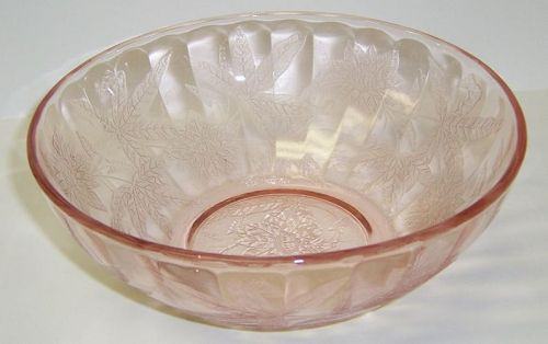 Jeannette Pink FLORAL POINSETTIA 7 1/2 Inch ROUND SALAD BOWL