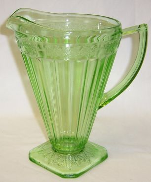 Jeannette Depression Glass Green ADAM 8 Inch 32 Ounce WATER PITCHER