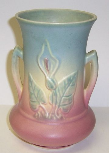 Hull Pottery CALLA LILY 6 1/2 Inch Two Handled FLOWER VASE