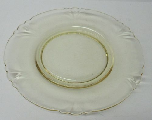 Heisey Topaz Yellow EMPRESS 7 1/2 Inch SALAD PLATE